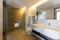 1brdlx-bathroom-02